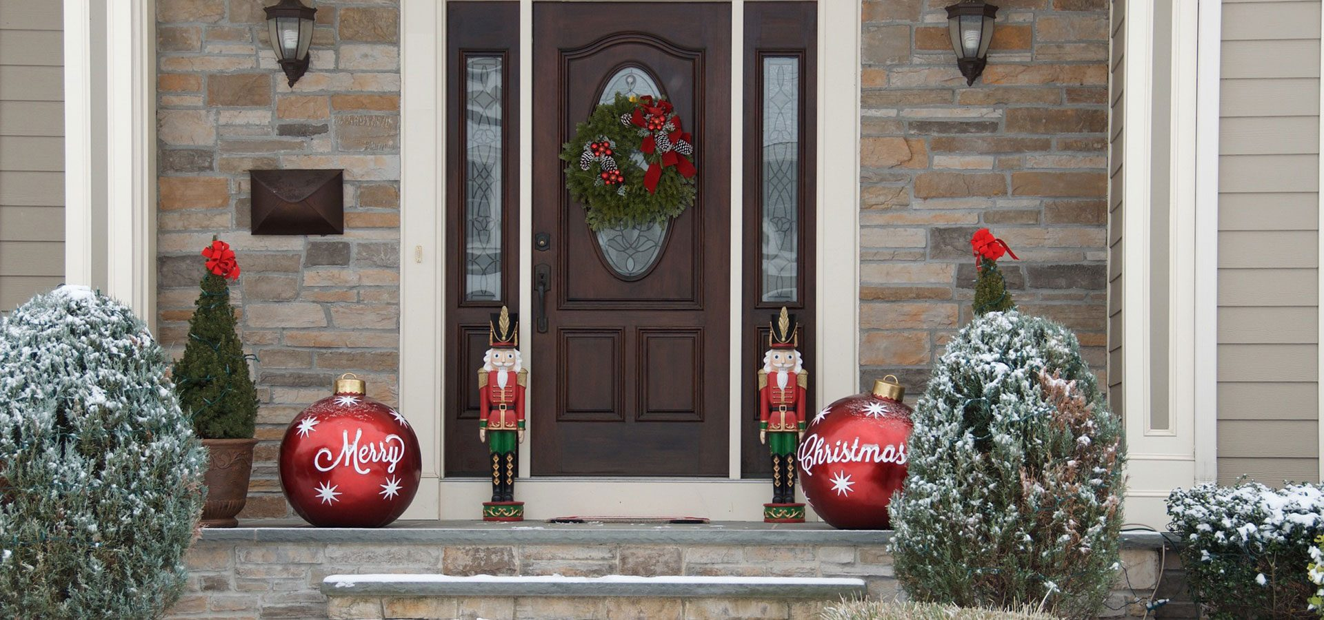 1920x666 christmas doorway